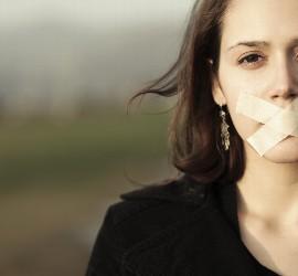 Mujeres silenciadas en la Iglesia