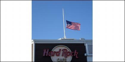 Bandera a media asta tras un atentado