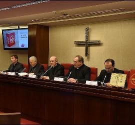 Mesa de presentación dle nuevo misal romano