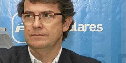 Fernández Mañueco, secretario autónomico del PP