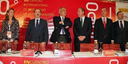 Imagen de las autoridades que inauguraron el encuentro en la Ciudad de León