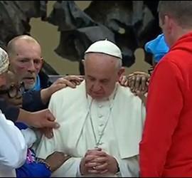 Francisco, bendecido por los pobres