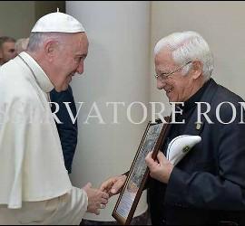 El Papa Francisco, con el padre Ángel