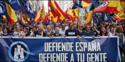 Manifestantes de 'Hogar Social', un grupúsculo de extrema derecha.