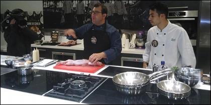 Sergio Fernández durante su demostración culinario.