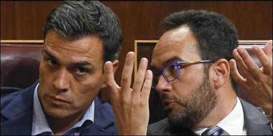 Pedro Sánchez y Antonio Hernando (PSOE).