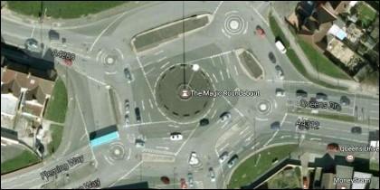 The Magic Roundabout, la rotonda más caótica del mundo.