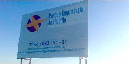 Cartel anunciador del malogrado proyecto del parque empresarial de Portillo