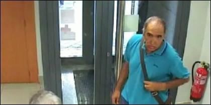 Antonio Padilla Córdoba, atracando un banco en Madrid