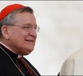 El cardenal Raymond Burke, con el Papa Francisco