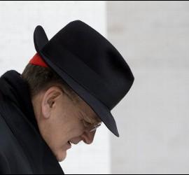 El cardenal Raymond Burke