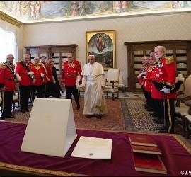 Caballeros de la Orden de Malta, con el Papa