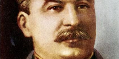 José Stalin promovió la centralización y burocracia. Lo acusaron de autoritario
