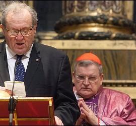 Matthew Festing, Gran Maestre de la Orden de Malta, con el cardenal Burke