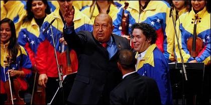 Hugo Chávez con Gustavo Dudamel.