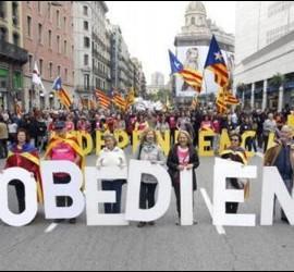 La CUP, ERC y BComú marchan unidos por la 'desobediencia' al TC y la independencia 'unilateral' de Cataluña.