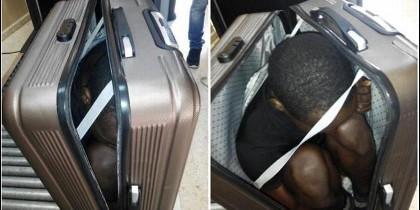Un inmigrante subsahariano, al trataban de introducir en Ceuta, empaquetado en una maleta.