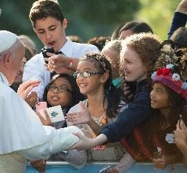 Francisco, con las víctimas de abusos