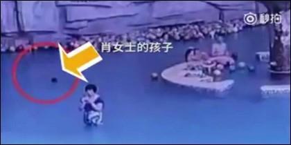 El niño ahogándose en China