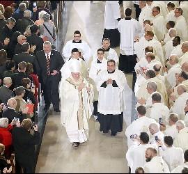 Procesión en la misa de instalación del cardenal Tobin en Newark