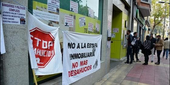 Bankia retirar la denuncia contra cinco activistas de la for Oficinas de bankia en murcia
