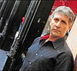 Pablo Razuk encarna a Carlos Mugica
