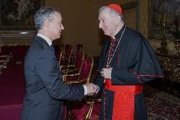 El lehendakari, Íñigo Urkullu, con el cardenal Pietro Parolin