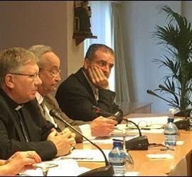 Sebastián Mora, Juan Antonio Menéndez y José Luis Pinilla, sj.