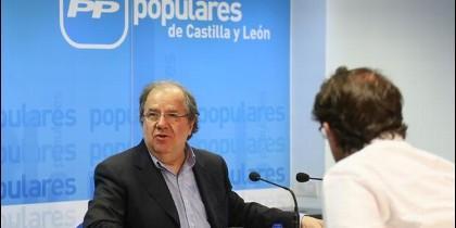 Juan Vicente Herrera en la sede popular de Castilla y León