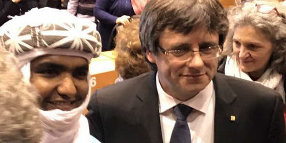 Moussa Ag Assarid y Carles Puigdemont.
