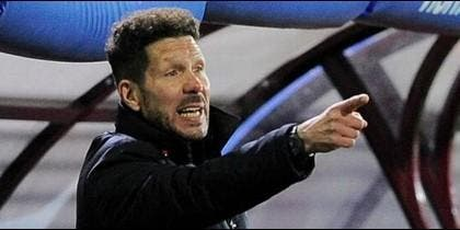 La puñalada de Messi y Suárez a Simeone: ¡Bronca en el descanso!