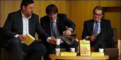 Junqueras, Puigdemont y Mas.