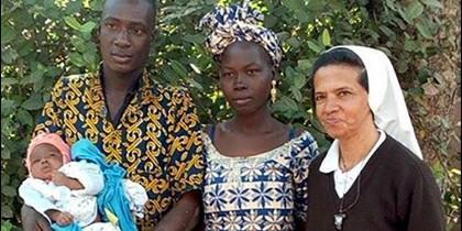 Hermana Cecilia (d), monja colombiana secuestrada en Malí