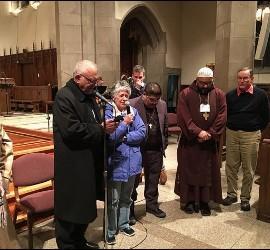 Acto en la parroquia de San Ignacio con participantes en el I Encuentro Iberoamericano de Teología