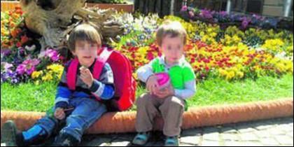 Miguel Ángel, de 5 años, y Leonardo, de 4, los dos niños asesinados sevillanos a golpes en Alemania.