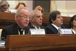 Hummes y Sorondo, en la mesa presidencial del Congreso