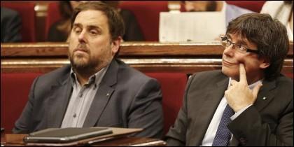 Orio Junqueras (ERC) y Carles Puigdemont (PDeCAT).