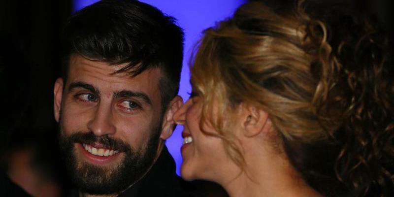 Gerard Pique (BARÇA) con Shakira.