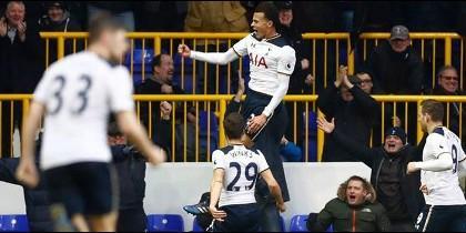 Tottenham acorta distancias con Chelsea, pero aún está lejos de la punta