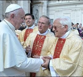 El Papa Francisco con el Padre Ángel