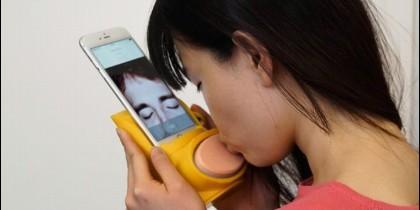 Kissenger, para besar con tu móvil