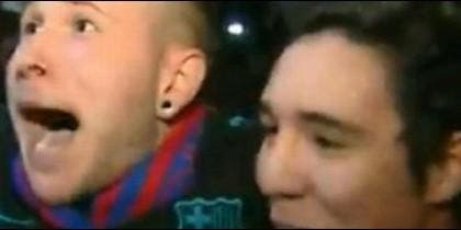 Dos hinchas abandonaron su fe por el Barça y se perdieron un final épico