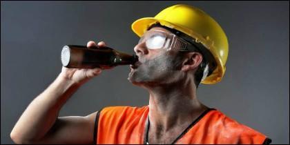Bebiendo en el trabajo