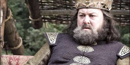 Mark Addy como Robert Baratheon.