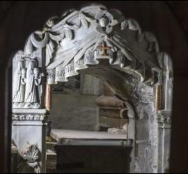 Sepulcro de Jesús, abierto.