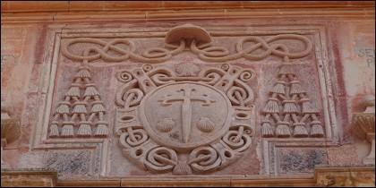 Escudo en la casa cuartel de la Orden de Santiago, en Villanueva de los Infantes.