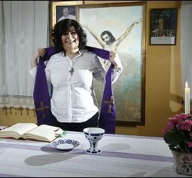 Christina Moreira, sacerdote de la comunidad 'Home Novo' de A Coruña