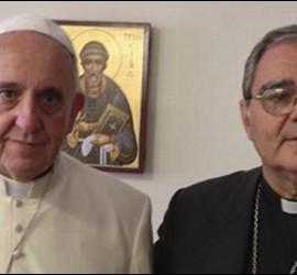 El obispo de San Isidro, Óscar Ojea, con el Papa Francisco
