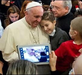 Francisco, los jóvenes y las nuevas tecnologías
