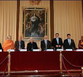 Los participantes en el encuentro interreligioso de Valencia